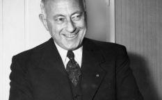Cecil B. DeMille, 50 años en reserva especial