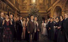 """Cine en serie: El capítulo navideño de """"Downton Abbey"""", HBO hace limpieza entre sus comedias, """"Hell on wheels"""" renueva y en venta la casa de """"American horror story"""""""