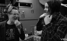 Observatorio: Gary Oldman presenta el concierto de Jack White y Brad Pitt primer hombre Chanel