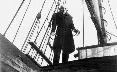 """Escalofríos de cine: """"Nosferatu"""", o  ¿manicura?... me da cita para el viernes…"""
