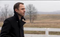 """Cine en serie: Trailer de """"Sneaky Pete"""", reinserción con cambio de identidad"""
