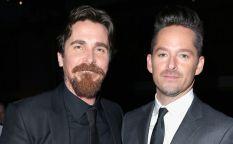 Espresso: Christian Bale y Rosamund Pike unen sus fuerzas en el viaje por las praderas montañosas de Scott Cooper