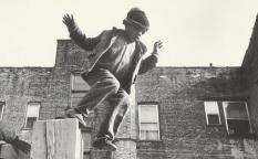 Espresso: Lo nuevo de Barry Jenkins le lleva a Harlem y Maggie Gyllenhaal fascinada por un niño poeta