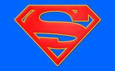 """Espresso: Intenciones de una nueva película de """"Supergirl"""", biopic de Rodolfo Valentino y el regreso a Chile de Pablo Larraín"""