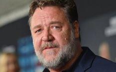 """Espresso: Terrorífico Russell Crowe , avance de """"Otra vuelta de tuerca"""",  Elisabeth Moss y Kirsten Dunst entran y salen y Felicity Jones y Shailene Woodley en un drama romántico"""