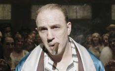 Espresso: Avance de Tom Hardy como Al Capone, líneas de ayuda para la crisis y las cuarentenas de David Lynch, Sam Neill y Mark Cousins