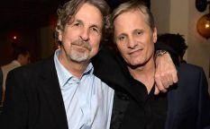 Espresso: Viggo Mortensen y Peter Farrelly tomando una cerveza por la amistad y Joseph Gordon-Levitt copiloto en un avión secuestrado