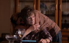 Espresso: Glenn Close madre firme frente a las adicciones de su hija, Claire Denis repite con Juliette Binoche, Benedict Cumberbatch ilusionista en la II Guerra Mundial, Florian Zeller apuesta ahora por