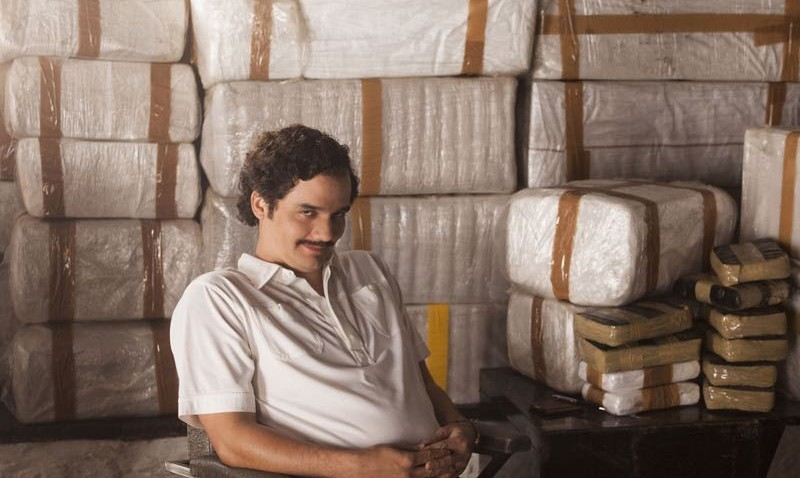 "TV STILL -- DO NOT PURGE -- NARCOS S01E06 "" Eplosivos"" -- Narcos - Season 1 - Producion Stills 02 Wagner Moura as Pablo Escobar in the Netflix Original Series ""Narcos."" Photo credit: Daniel Daza/Netflix"