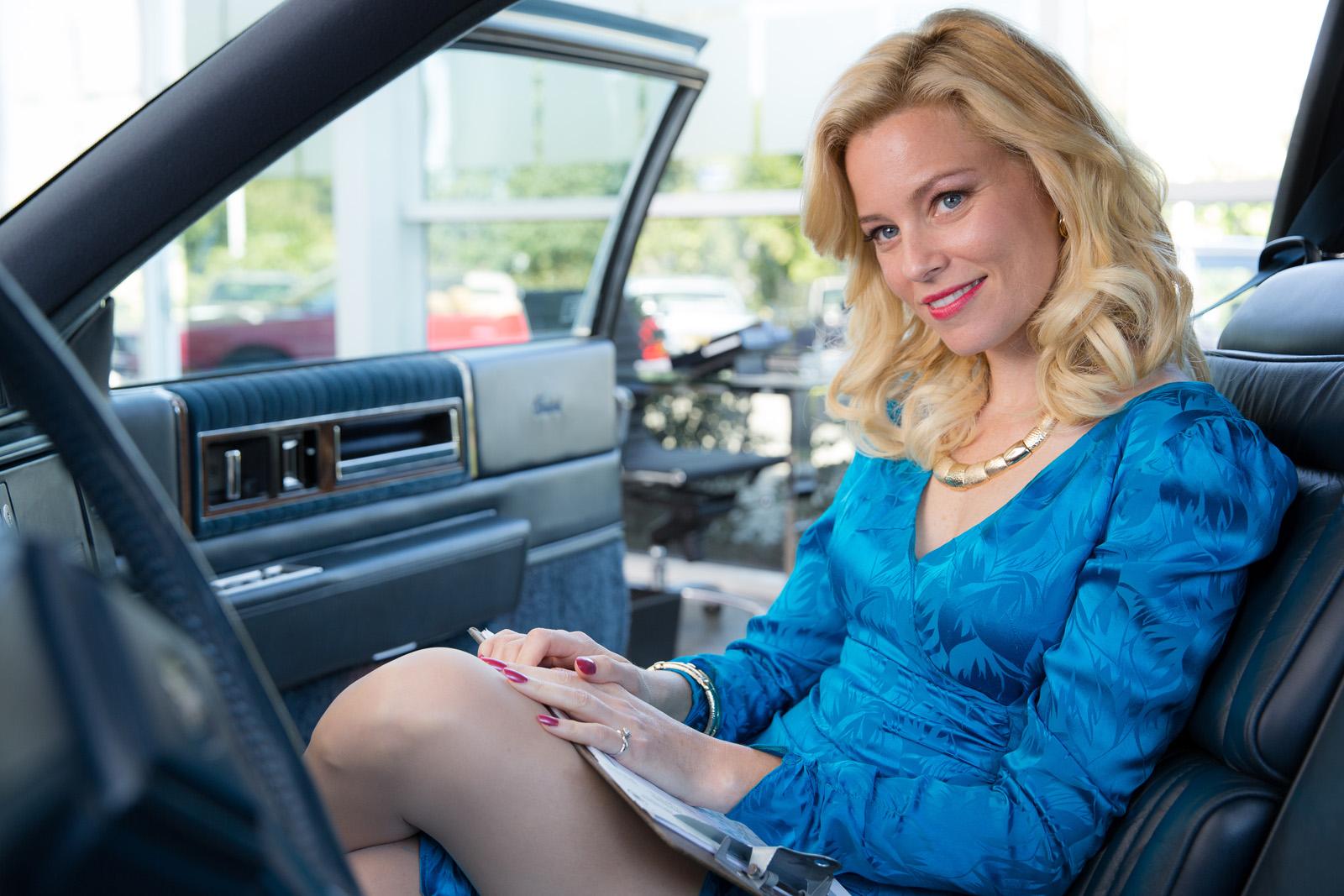 Autoverkäuferin Melinda Ledbetter (Elizabeth Banks)