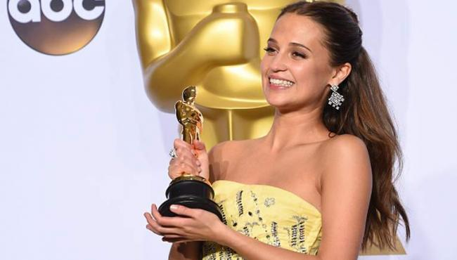 Oscar2016AliciaVikander
