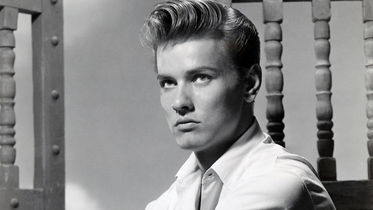 Actor Richard Davalos (1955)