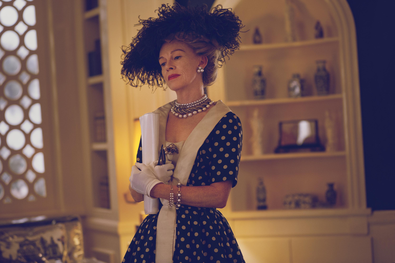 Judy Davis como Hedda Hopper en Feud