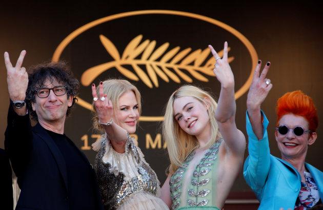Cannes2017Howtotalktogirlatparties01
