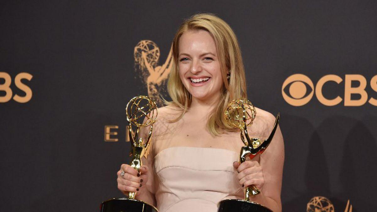 Emmys2017ElisabethMoss